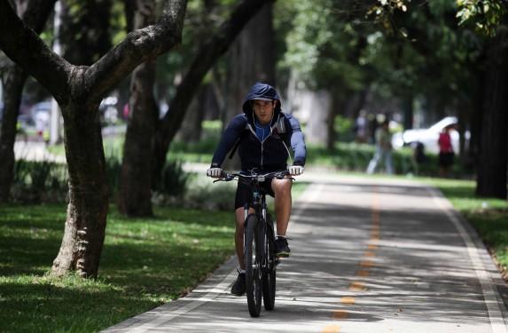 La ciclovía está muy bonita y también la uso, pero en otros lugares podría necesitarse más. Foto: Carlos Sebastián