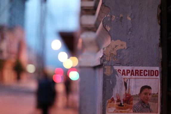Un cartel de un niño desaparecido. Foto: Carlos Sebastián