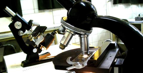 Microscopios antiguos. Por Lillo Villegas (con Creative Commons) flickr.com/photos/el_cafe/