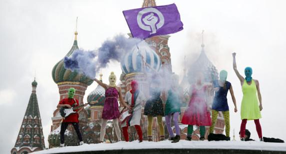 """Las Pussy Riot, estuvieron presas por """"blasfemia"""" en Rusia."""