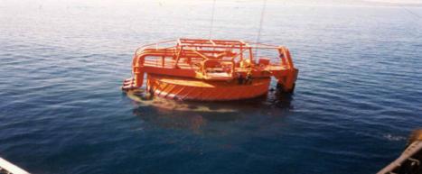 Boya en el mar. Fuente: Sabatinop.com
