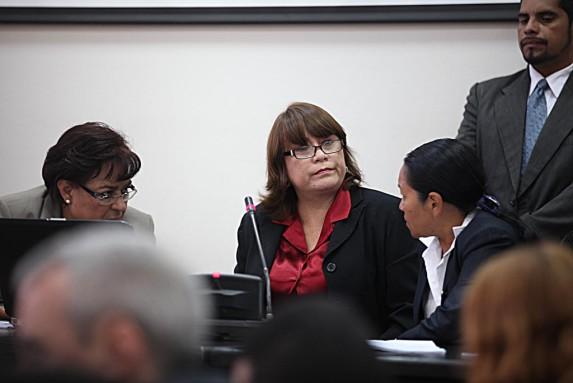 Las juezas se observan. Después decidirían que Valdés debía inhibirse de conocer el caso.