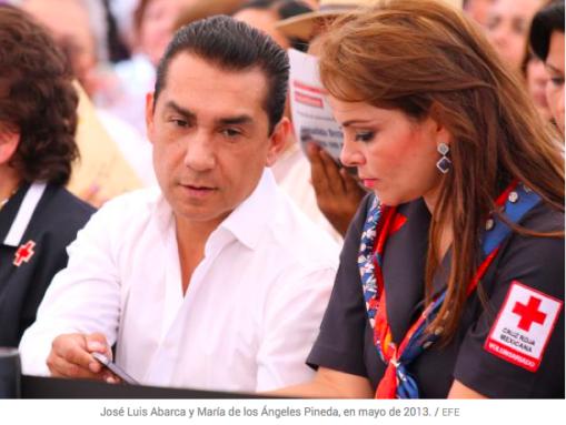 El alcalde y su esposa, en una foto publicada por El País.