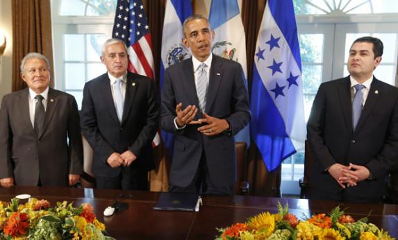 Obama y los tres centroamericanos. Foto: La Tercera