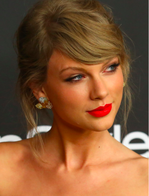 Una foto de Taylow Swift en el Huff Post.