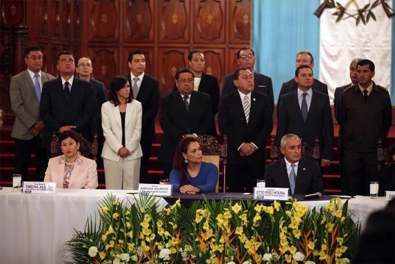 Las caras del gabinete no eran las más entusiasmadas.