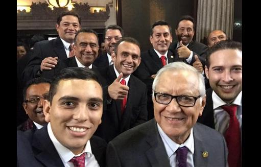 Los diputados de Líder viralizaron una foto.