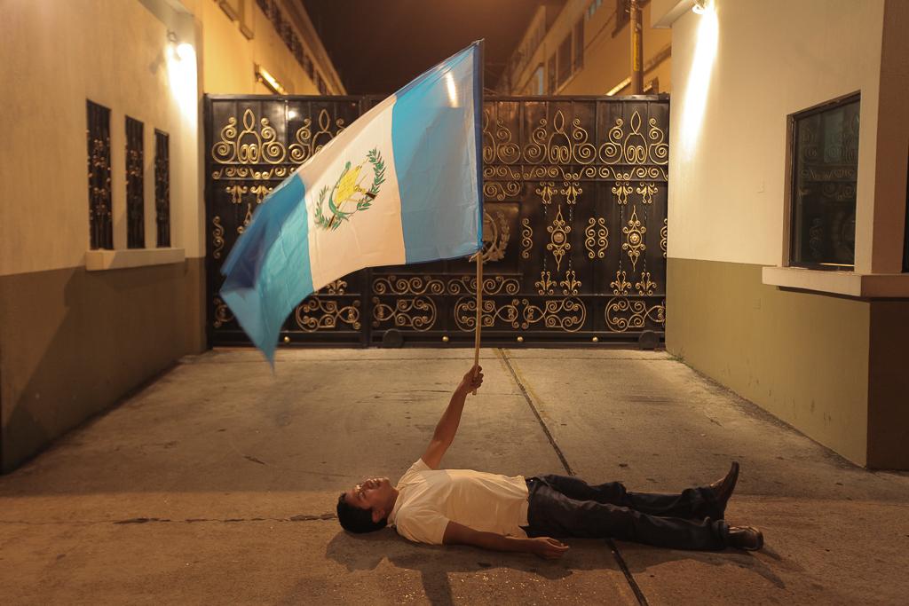 Pérez dice comprender a los manifestantes. El domingo en la noche, uno intentó evitar que OPM saliera de Casa Presidencial. Foto: Carlos Sebastián