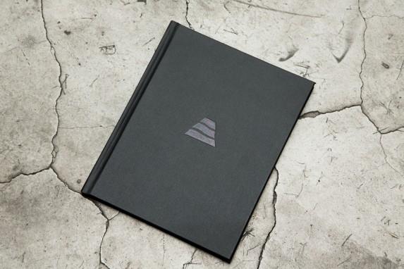 """Libro """"Ideas de Progreso"""", de Andrés Vargas, editado por la editorial Gente Secreta."""