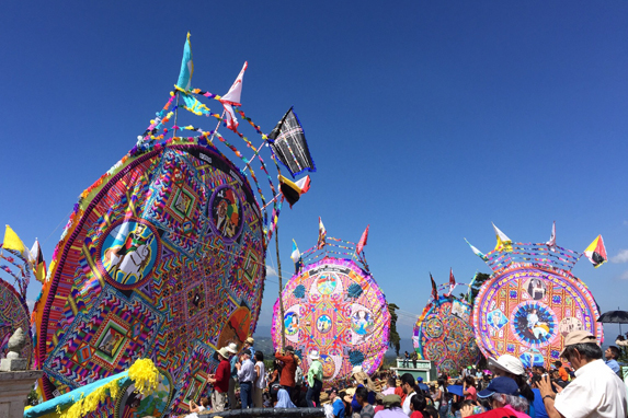 Festival de Barriletes Gigantes de Santiago, Sacatepéquez.