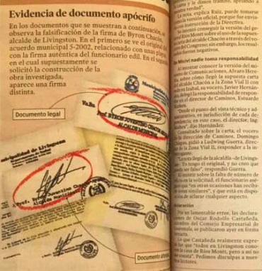 La imagen muestra la firma falsificada del alcalde.