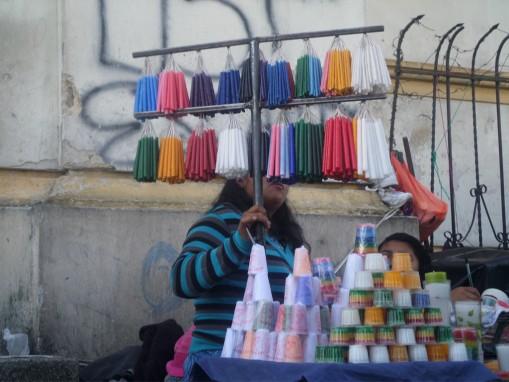Confesiones complejas de vendedoras de candelas.