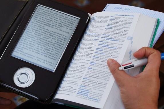 He terminado con dos bibliotecas: una de libros físicos y otra de materiales en línea (Foto: Flickr, PRODaniel Sancho).