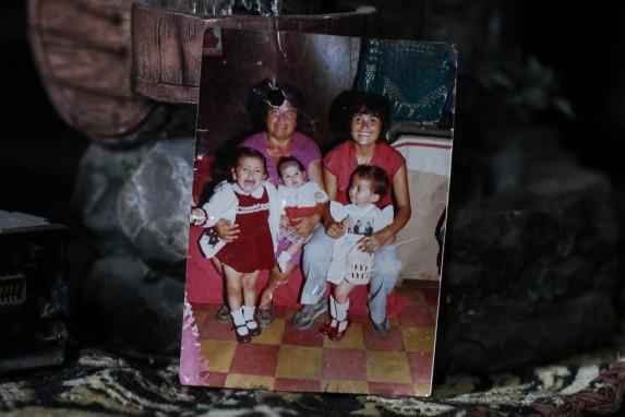 Ana Elizabeth Paniagua junto con su hija, Elisa Meza, a la derecha.
