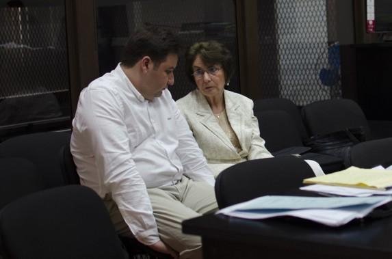 Roberto Barreda y Beatriz de León, en una audiencia en 2015.