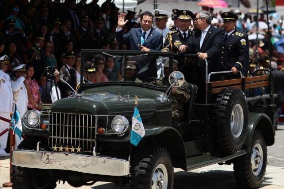 Jimmy Morales, el más pro-militar de los presidentes democráticos.