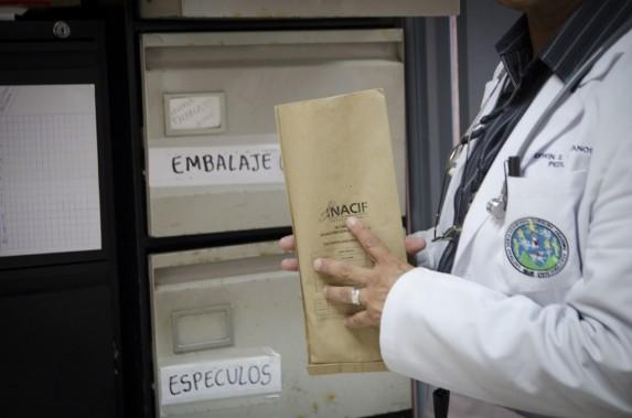 La clínica del Hospital General San Juan de Dios cuenta con el personal para atender este tipo de casos. Los médicos deben avisar al Ministerio Público y al Inacif.