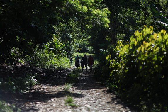 Vecinos de la aldea Semil fueron desalojados por la PNC.