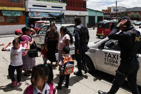Niños en Chinautla, en el área metropolitana de la capital.