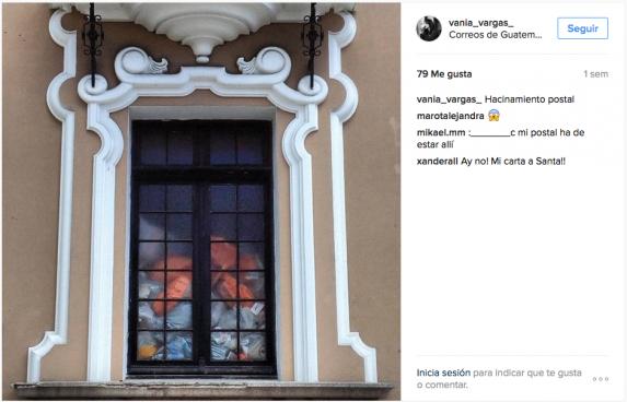 La escritora Vania Vargas publicó una foto de una de las ventas del Correo en su cuenta de Instagram. A Nómada la Dirección no le permitió ingresar para tomar fotos.