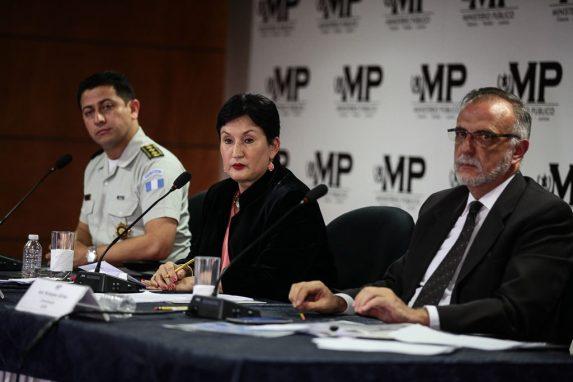 Nery Ramos, director de la PNC; Thelma Aldana, fiscal general e Iván Velásquez, jefe de CICIG, informaron sobre la investigación de la muerte de los periodistas en Mazatenango, en marzo 2015.