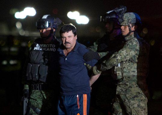 Extraditado para los Estados Unidos, El Chapo enfrenta 17 acusaciones de crímenes cometidos entre 1989 y 2014 (Foto: Alfredo Dominguez/La Jornada)