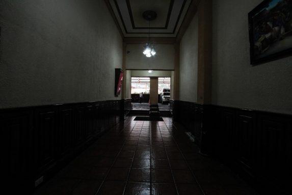 El camino al salón de la reunión.