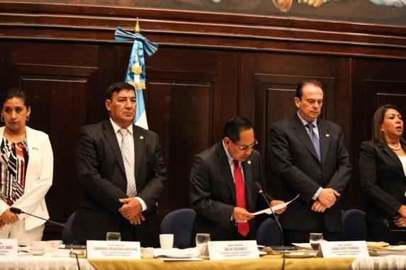 Image result for comisión recomienda quitar inmunidad a jimmy morales