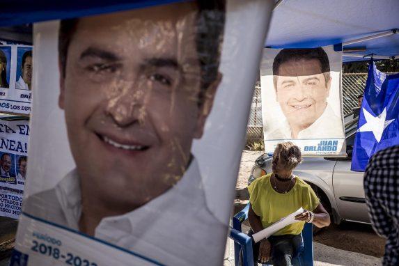 Propaganda de la candidatura de Juan Orlando Hernández, en 2017. Los refugiados hondureños lo critican por su gestión.