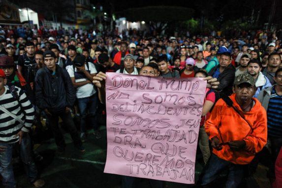 Las personas que acompañan la caravana son un grupo vulnerable y marginado en su país. Huyen de la violencia y la pobreza. No son terroristas, ni manipulados, ni financiados.