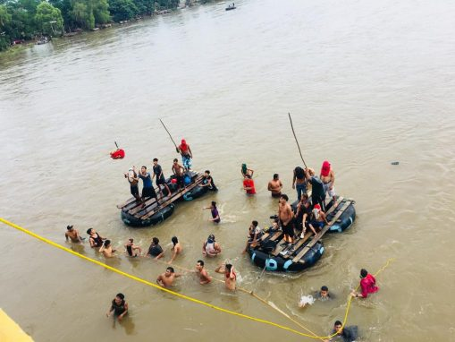Las balsas, por donde a diario transportan contrabando y vecinos del lugar, fueron utilizadas por cientos de hondureños para cruzar por su cuenta, sin la ayuda de México. (Foto: Carlos Sebastián)