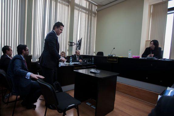 El empresario Rodrigo Arenas en la sala de audiencias dirigida por la jueza Éricka Aifán