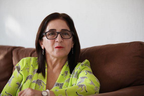 La médica Cristina Calderón reunió a los pacientes para hacer una demanda al Estado para conseguir una atención en salud integral.