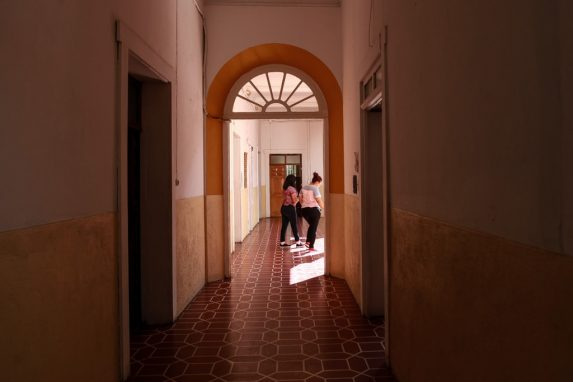 Pasillos amplios, limpieza, iluminación y espacios para recreación fueron considerados para la renta de los inmuebles en zona 1.