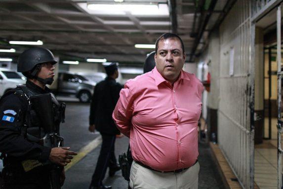 ENERO. El diputado del FCN-Nación, Julio Antonio Juárez Ramírez, fue detenido en Mazatenango, Suchitepéquez. El congresista es señalado de ser el autor intelectual del crimen contra dos periodistas y el intento de asesinato de otro.