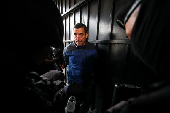 ENERO. El exministro de la Defensa, Williams Mansilla, fue detenido por los delitos de El exfuncionario es sindicado de los delitos de abuso de autoridad, enriquecimiento ilícito y peculado por sustracción. El funcionario aprobó un bono que benefició a toda la cúpula del ejército y otorgaba Q50 mil a Jimmy Morales por ser Comandante General. En junio, Sala Tercera de Apelaciones confirmó el cierre provisional del caso.