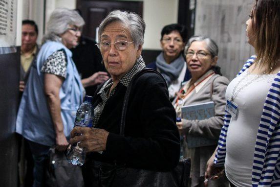 MARZO. Después de 37 años, un día histórico para la justicia guatemalteca. Comenzaba el juicio en contra de cinco exjefes militares, acusados de la desaparición del adolescente de 14 años, Marco Antonio y la violación sexual de su hermana, Emma Molina Theissen.