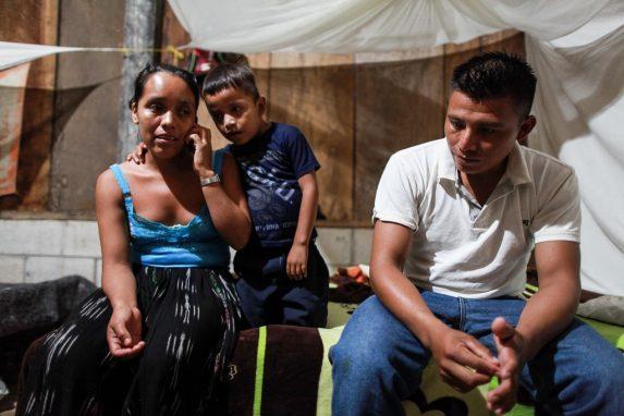 AGOSTO. El caso de David Xol y su hijo de 8 años es uno de los 565 casos de familias separadas en por la política anti-inmigrantes del gobierno de Donald Trump. Nómada y el Texas Tribune investigaron la historia en la frontera entre México y Estados Unidos, y en la remota aldea de Chisec, a Alta Verapaz, a 300 kilómetros de la Ciudad de Guatemala.