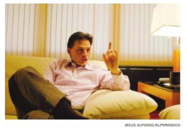 Cash Luna durante la entrevista en su casa.