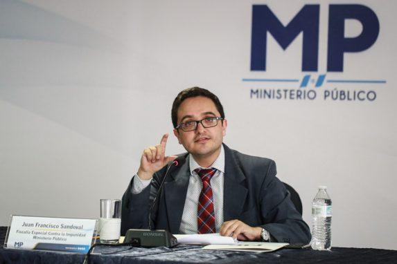Fiscal Juan Francisco Sandoval explica el caso sobre el financiamiento a la campaña de Manuel Baldizón.