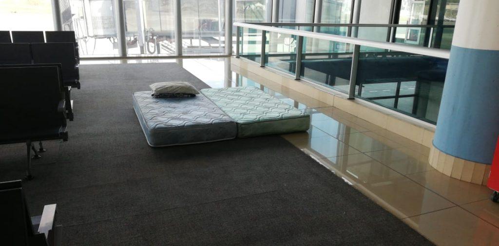 Este fue el colchón proporcionado al investigador de la CICIG, detenido ilegalmente desde ayer por la noche.