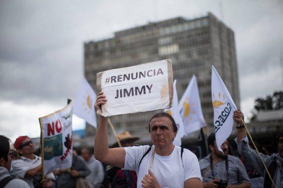 A las protestas se les sumó la organización CODECA y la exigencia para que renuncie el presidente. Foto: Sandra Sebastián