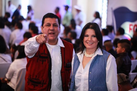 Estuardo Galdámez y Betty Marroquín no revelaron quiénes serán sus financistas, tema que ha sido polémico en el partido de gobierno.