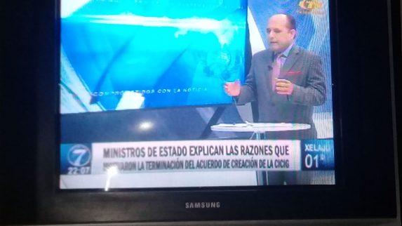 Fotograma de Noti7, donde dieron cobertura de la decisión del Gobierno de poner fin a la CICIG, desde el lado oficial. Foto: Pherla López.