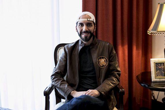 Nayib Bukele en una entrevista co el diario salvadoreño El Faro.