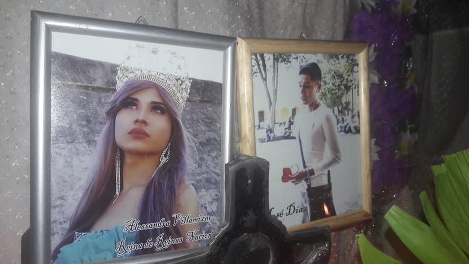 Fotos de José Díaz y de Alessandra Villamizar, nombre con el que solía concursar en los certámenes de belleza.