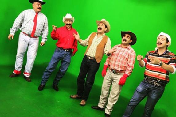 Con la ausencia de Jimmy, José Manuel se ha vestido con la ropa de Neto para que continúe vigente en el programa.
