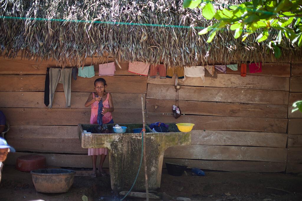 A las mujeres en provincia se les relega a las actividades del hogar y la crianza. Foto: Sandra Sebastián