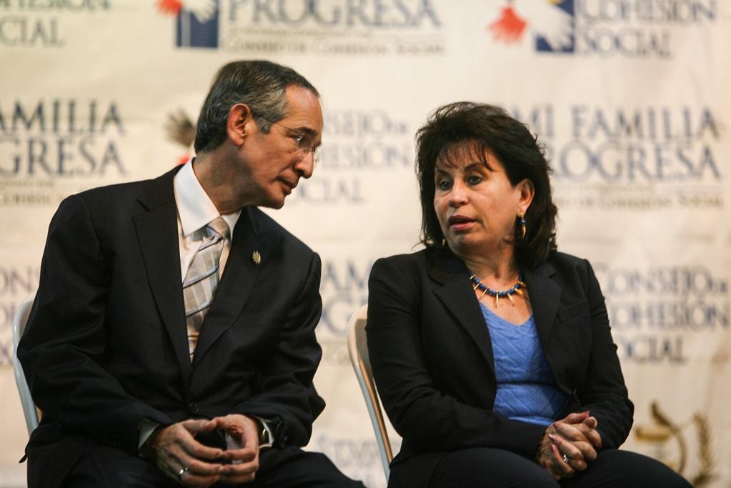 Álvaro Colom y Sandra Torres en una actividad pública en San Juan Sacatepéquez, el 23 de junio de 2009.