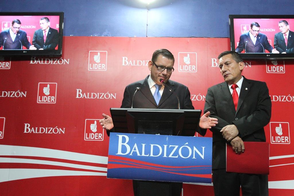 Manuel Baldizón y Ricardo Villate.